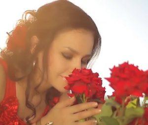 Фарангис Дунё - Гули роз