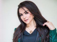 Нигина Амонкулова дар консерти